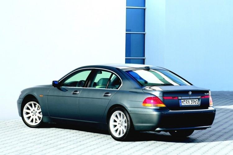 BMW 745i 03 1024 750x500